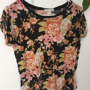 ☀️ F21 Floral tee
